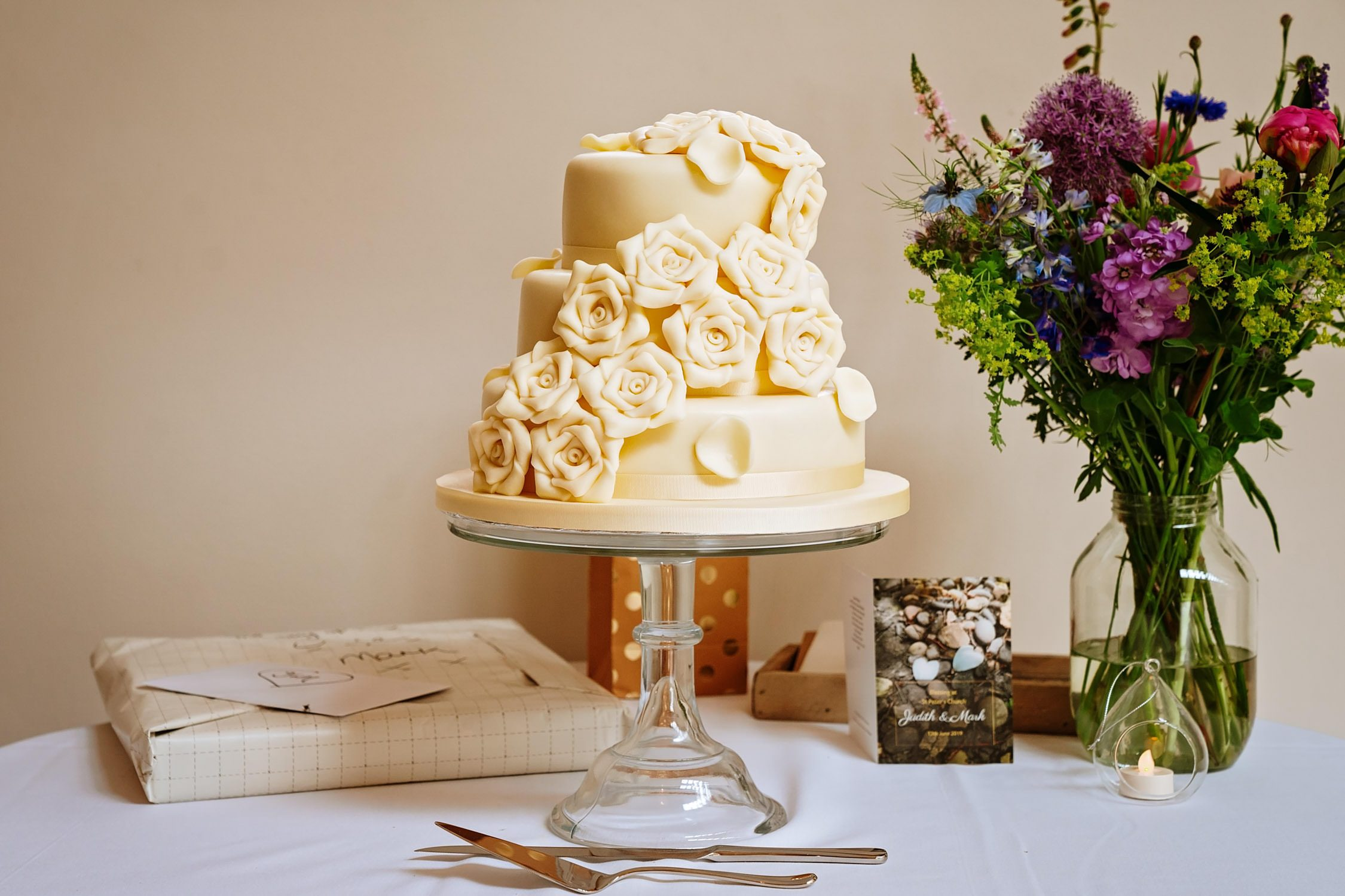 wedding cake at doddington